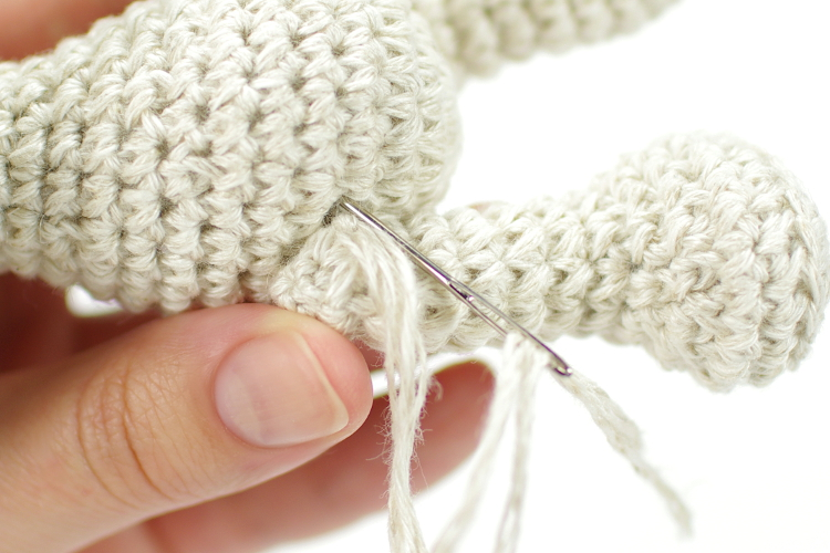 attaching joints with yarn