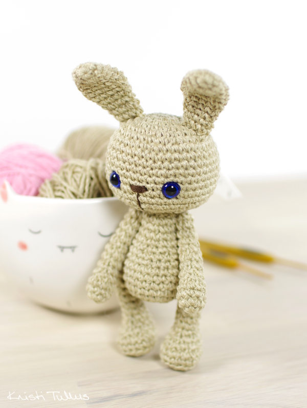 Pattern: Small 4-way jointed bunny // Kristi Tullus (spire.ee)
