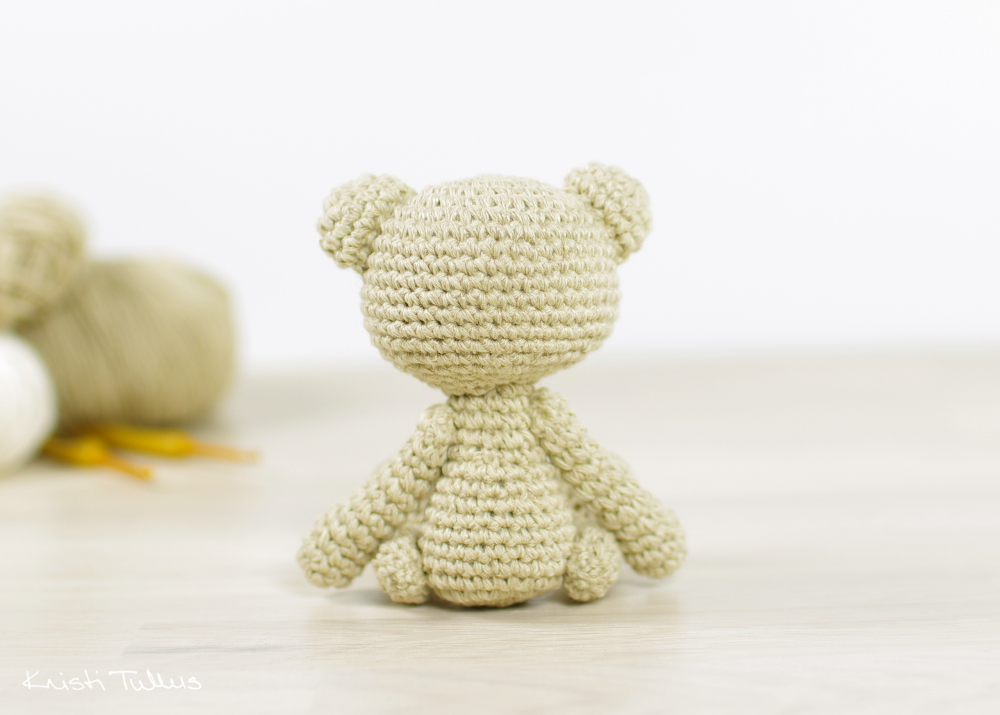 Small amigurumi teddy bear pattern